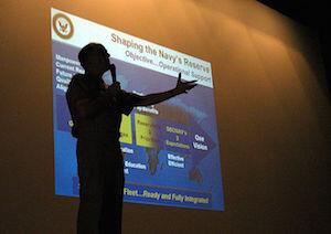 Powerpoint presentatie kan helpen met je impact. Andere presentatie technieken werken echter ook goed!
